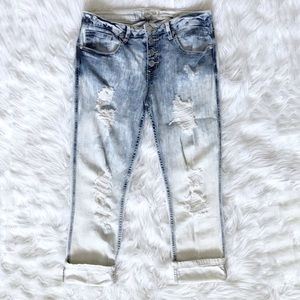 Women's distressed cropped jeans size 11/12.